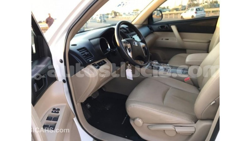 Big with watermark toyota highlander anse la raye import dubai 1487
