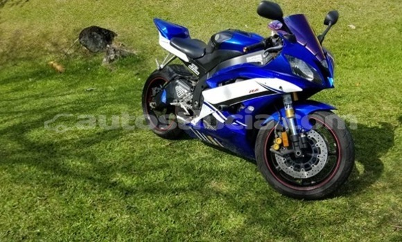Buy Used Yamaha R1 Blue Bike in Castries in Castries